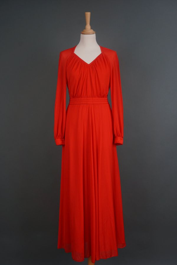 1970s night gown Price