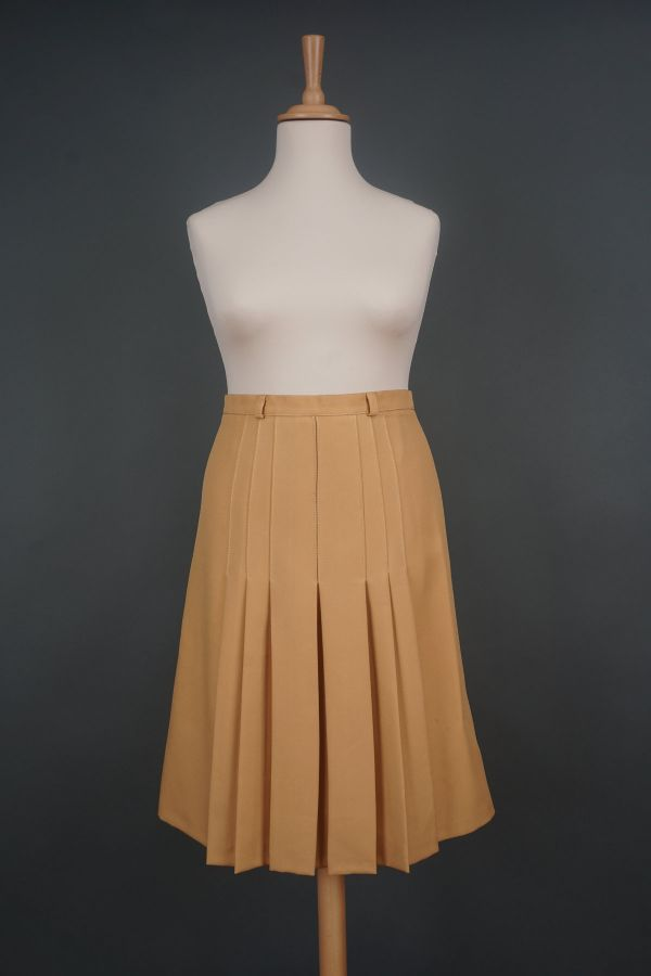 Pleated skirt from the 1980s Price