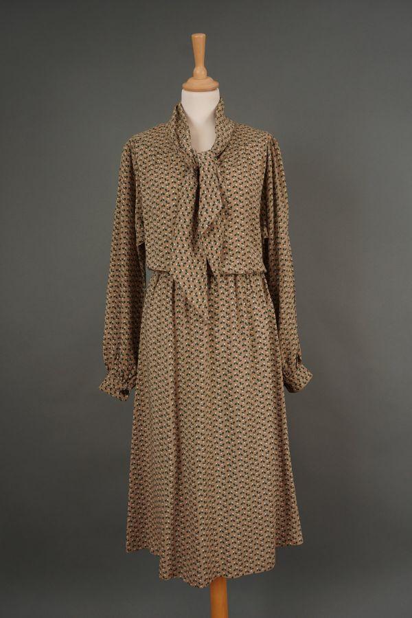 9e36cd11bd000 Beige dress with a tie | Price | Sale | Vintage | Retro