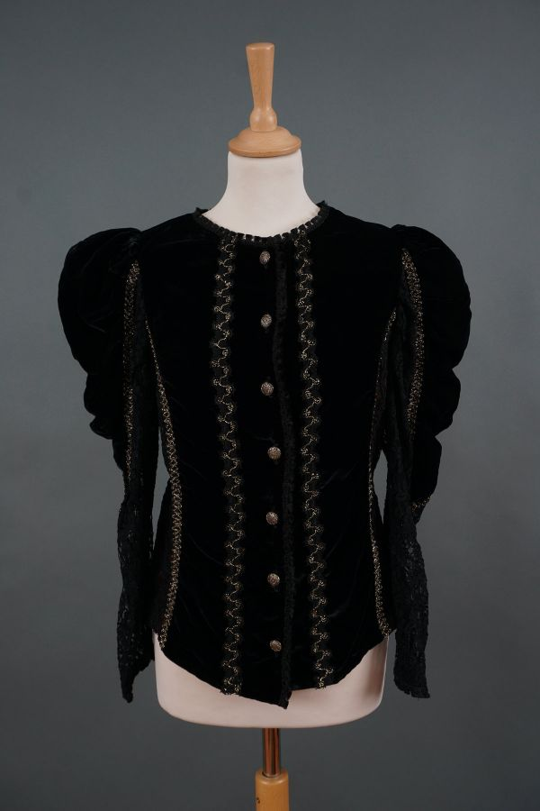 Baroque style blouse Price